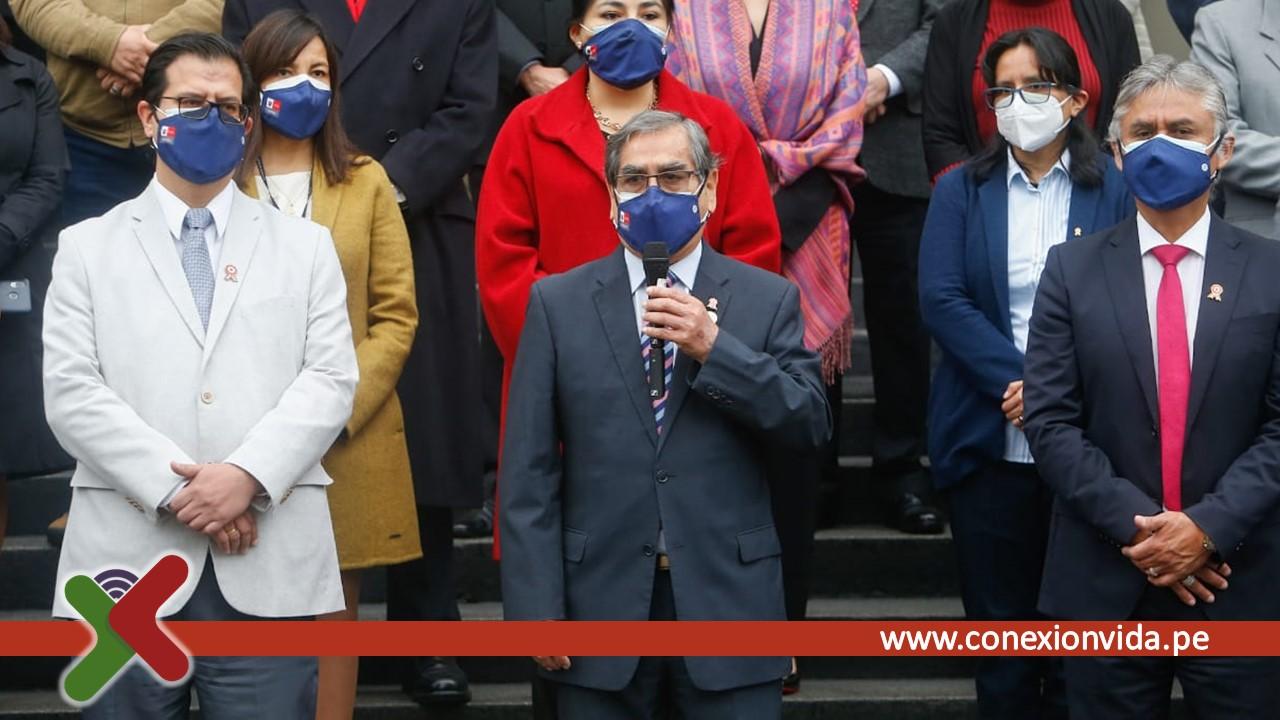 Ministro de Salud en ceremonia del bicentenario Foto Minsa