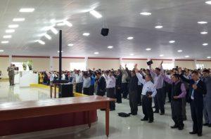 Pastor evangélico en la Iglesia Pentecostal La Cosecha